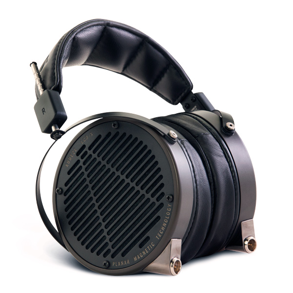Audeze-LCD-X-Leather-SeatedL-01-600x600