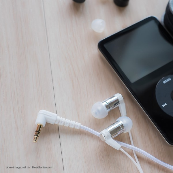 ortofon-e-Q8-review-plug